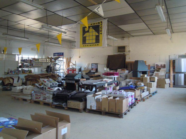 Offre n°5 – Bâtiment commercial + entrepôt et terrain à Thiviers, le long de la RN21